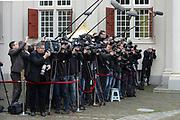 Bezoek van Zijne Majesteit Koning Filip en Hare Majesteit Koningin Matilda van België aan Nederland.Aankomst en ontvangst op Paleis Noordeinde.<br /> <br /> Visit of His Majesty King Filip and Her Majesty Queen Matilda of Belgium to Netherlands. Arrival and reception at Noordeinde Palace.<br /> <br /> op de foto / On the photo:  De Pers / The Press