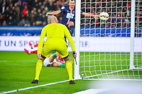Illustration Arbitre de surface  - 08.04.2015 - Paris Saint Germain / Saint Etienne - 1/2Finale Coupe de France<br />
