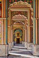 Inde, Rajasthan, Jaipur la ville rose, le palais de Patrika Gate // India, Rajasthan, Jaipur the Pink City, the Patrika Gate palace