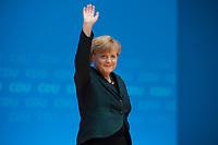 09 DEC 2014, KOELN/GERMANY:<br /> Angela Merkel, CDU, Bundeskanzlerin, nimmt den Applaus der Delegierten entgegen, nach ihre Rede als Parteivorsitzende der CDU, CDU Bundesparteitag, Messe Koeln<br /> IMAGE: 20141209-01-052<br /> KEYWORDS: Party Congress, applaudieren, klatschen