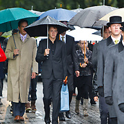 NLD/Amsterdam/20100826 - Uitvaart RTL journalist Conny Mus in Amsterdam, aankomst rouwstoet,