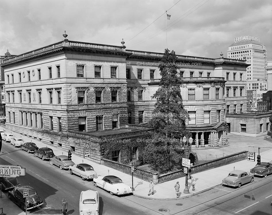 Y-530325-01.  City Hall, corner of 5th & Jefferson, Portland. March 25, 1953