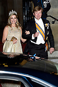Koning Willem-Alexander en koningin Maxima  ontvangen het Corps Diplomatique voor diner op het Paleis op de Dam.<br /> <br /> King Willem-Alexander and Queen Maxima receive the Corps Diplomatique for dinner at the Palace on the Dam.<br /> <br /> Op de foto / On the photo: <br /> <br />  Koning Willem-Alexander en koningin Maxima / King Willem Alexander and Queen Maxima