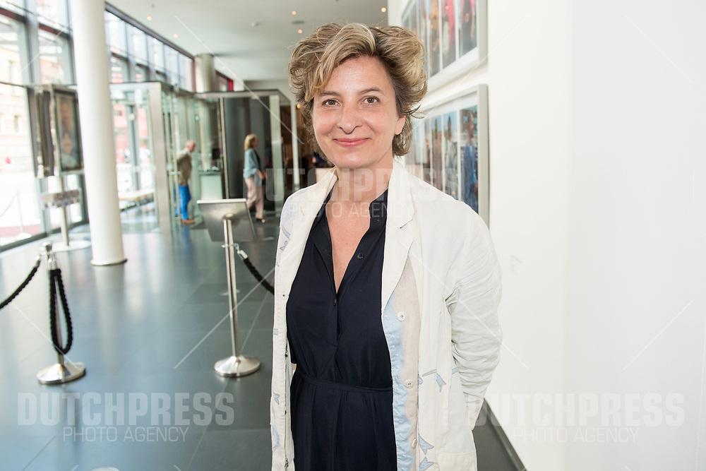 Jacqueline Blom tijdens de uitreiking van de Johan Kaartprijs 2019 in het DeLaMar Theater in Amsterdam
