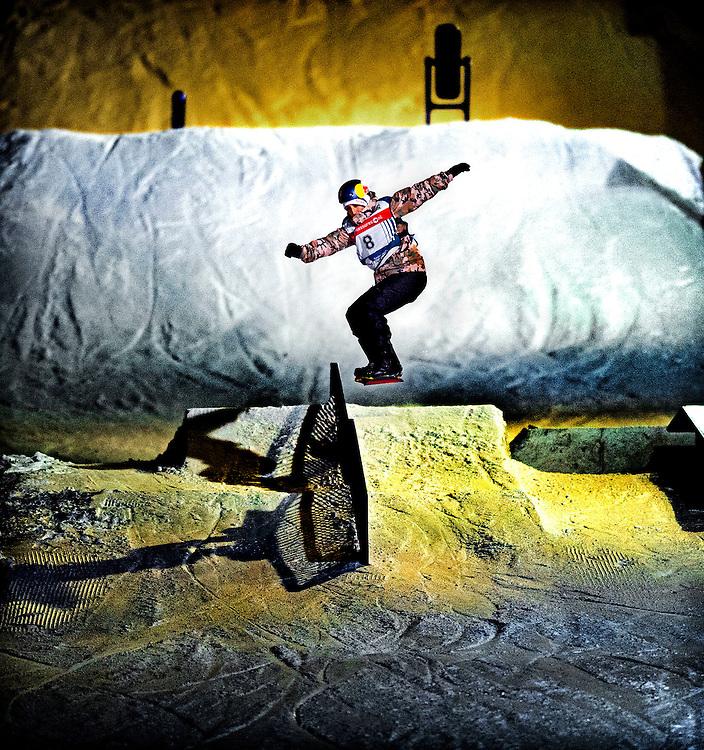The Netherlands, Landgraaf, 15-11-2013.<br /> Skiing, Snowboard, Slope Style, European Cup, Men.<br /> Dimi de Jong, the dutch winner of the European Cup on the indoor ski track in Landgraaf.<br /> Photo : Klaas Jan van der Weij