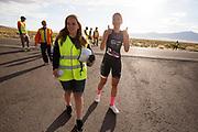 Aniek Rooderkerken tijdens de vierde racedag. Het Human Power Team Delft en Amsterdam, dat bestaat uit studenten van de TU Delft en de VU Amsterdam, is in Amerika om tijdens de World Human Powered Speed Challenge in Nevada een poging te doen het wereldrecord snelfietsen voor vrouwen te verbreken met de VeloX 7, een gestroomlijnde ligfiets. Het record is met 121,44 km/h sinds 2009 in handen van de Francaise Barbara Buatois. De Canadees Todd Reichert is de snelste man met 144,17 km/h sinds 2016.<br /> <br /> With the VeloX 7, a special recumbent bike, the Human Power Team Delft and Amsterdam, consisting of students of the TU Delft and the VU Amsterdam, wants to set a new woman's world record cycling in September at the World Human Powered Speed Challenge in Nevada. The current speed record is 121,44 km/h, set in 2009 by Barbara Buatois. The fastest man is Todd Reichert with 144,17 km/h.
