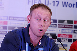October 7, 2017 - Kolkata, West Bengal, India - Coach Steve Cooper during a press conference at Salt Lake stadium in Kolkata. England football team coach Steve Cooper and player Marc Guehi during a press conference ahead of FIFA U 17 World Cup on October 7, 2017 in Kolkata. (Credit Image: © Saikat Paul/Pacific Press via ZUMA Wire)