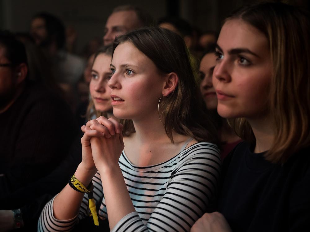 Audience of Norwegian singer-songwriter Sigrid at Iceland Airwaves