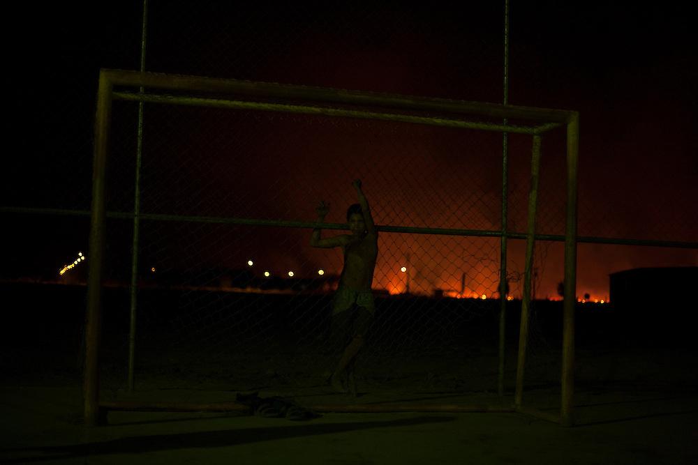 Chapada Gaucha_MG, Brazil.<br /> <br /> Incendio provocado por agricultores em Chapada Gaucha, Minas Gerais.<br /> Fire caused by farmers in Chapada Gaucha, Minas Gerais.<br /> <br /> Foto: LEO DRUMOND / NITRO