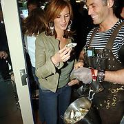 """NLD/Laren/20060412 - Opening restaurant """"Afslag Laren"""" , Leontine Borsato - Ruiters en de oesterman Guido Bindels"""