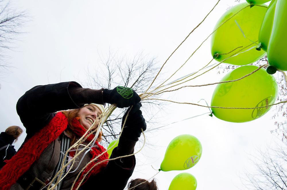 Nederland, Den Haag, 21 jan 2011.Studentenprotest tegen bezuizingingen in het hoger onderwijs op het Malieveld in den Haag. .Foto (c)  Michiel Wijnbergh