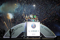 Joie PSG - Thiago SILVA / Zoumana CAMARA - PSG Champion - 23.05.2015 - PSG / Reims - 38eme journee de Ligue 1<br /> Photo : Andre Ferreira / Icon Sport