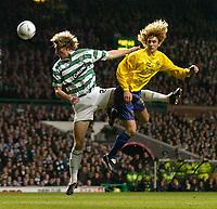 Fotball<br /> Photo. Jed Wee, Digitalsport<br /> Glasgow Celtic v Villarreal, UEFA Cup Quarterfinal, Celtic Park, Glasgow. 08/04/2004.<br /> Celtic's Stanislav Varga (L) and Villarreal's Fabricio Coloccini challenge for an aerial ball.<br /> <br /> NORWAY ONLY