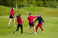 17-05-2015 NGF Competitie 2015, Hoofdklasse Heren - Dames Standaard - Finale, Golfsocieteit De Lage Vuursche, Den Dolder, Nederland. 17 mei. Dames Noordwijkse: feesten na de overwinning.