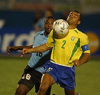 Fotball<br />19/11/03 - WORLD CUP QUALIFYING 2006<br />BRASIL (3) VS. URUGUAY (3) - Curitiba - Brasil.<br />A World Cup Qualifying match played between the National football team of Brasil and Uruguay in Curitiba, Brasil.<br />Cafu  (Brasil)  and  Zalayeta (Uruguay)<br />Foto: Digitalsport
