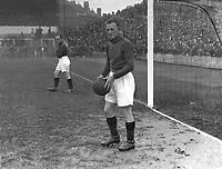 Gerard Pieter Keyser (Arsenal goalkeeper) 1930/31. Birmingham City v Arsenal 27/09/1930 Credit : Colorsport.