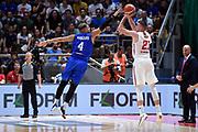 Aradori Pietro Tomasz Gielo<br /> Nazionale Italiana Maschile Senior - <br /> 2019 FIBA World Cup Qualifiers<br /> Italia - Polonia, Italy - Poland<br /> FIP 2018<br /> Bologna, 14/09/2018<br /> Foto Gennaro Masi / Ciamillo-Castoria
