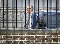 © Licensed to London News Pictures. 26/05/2020. London, UK. Senior Advisor to Prime Minister Boris Johnson, Dominic Cummings arrives at the back door to Downing Street. The Prime Minister is under pressure over his backing for his senior advisor Dominic Cummings after it emerged that he had broken lockdown rules to drive his family to the northeast 260 miles away. Photo credit: Peter Macdiarmid/LNP