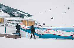 06.02.2020, Zwölferkogel, Hinterglemm, AUT, FIS Weltcup Ski Alpin, Saalbach Hinterglemm, Vorberichte, im Bild Aufbauarbeiten für die Weltcup Rennen // Prepration for the FIS Ski Alpine World cup at the Zwoelferkogel in Hinterglemm, Austria on 2020/02/06. EXPA Pictures © 2020, PhotoCredit: EXPA/ JFK