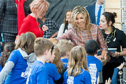 Koningin Maxima is bij ondertekening van het convenant Meer Muziek in de Klas Lokaal in De Lasloods. Maxima is erevoorzitter Meer Muziek in de Klas.<br /> <br /> Queen Maxima is signing the Meer Muziek covenant in De Klas Lokaal in De Lasloods. Maxima is honorary president of More Music in the Classroom.