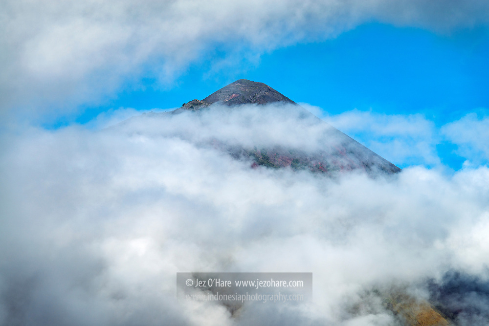 Gunung Inerie, Ngada, Flores, Nusa Tenggara Timur, Indonesia
