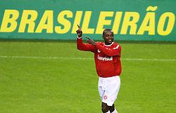 Kléber,  do Internacional, comemora seu gol na partida contra o Ceará, realizada no Estádio Beira Rio, em Porto Alegre, válido pelo Campeonato Brasileiro 2010. FOTO: Jefferson Bernardes / Preview.com