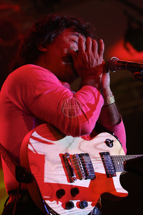 Cecilio & Kapono at Snoqualmie Casino 9/16/11.