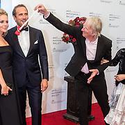 NLD/Amsterdam/20160907 - Inloop Gala van het Nationale Ballet 2016, Chantal Janzen en partner Marco Geeratz, Freek de Jonge en partner Hella Asser