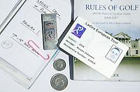 PORTUGAL - Tour kaart, regelboekje, caddieboek,  in de tas van Marieke Zelsmann. COPYRIGHT KOEN SUYK