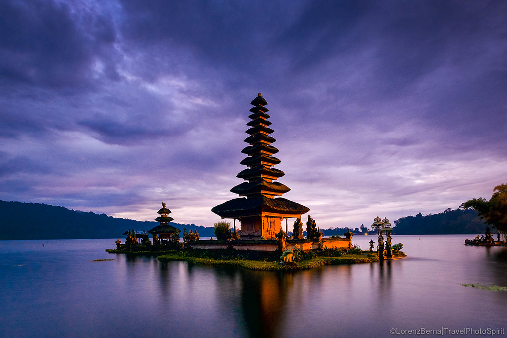 Pura Ulun Danu Temple at Sunrise. Lake Bratan, Bali