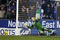 Photo: Pete Lorence.<br />Leicester City v Sheffield Wednesday. Coca Cola Championship. 02/12/2006.<br />Chris Brunt's penalty sails past Conrad Logan.
