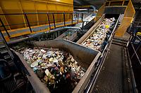 03 JAN 2012, BERLIN/GERMANY:<br /> Sortieranlage fuer Anfall / Wertstoffe aus der Gelben Tonne, Alba Recycling GmbH, Berlin-Mahlsdorf<br /> IMAGE: 20120103-01-006<br /> KEYWORDS: Wertstoffe, Recycling, Alba Group, Urban Mining, Gelber Sack, Gruener Punkt, Grüner Punkt, Duales System, Muell. Müll. Verwertung