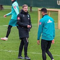 16.11.2020, Trainingsgelaende am wohninvest WESERSTADION - Platz 12, Bremen, GER, 1.FBL, Werder Bremen Training<br /> <br /> <br /> Florian Kohfeldt (Trainer SV Werder Bremen)<br /> Davie Selke  (SV Werder Bremen #09)<br /> <br /> <br /> Foto © nordphoto / Kokenge *** Local Caption ***