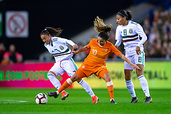 05-04-2019 NED: Netherlands - Mexico, Arnhem<br /> Friendly match in GelreDome Arnhem. Netherlands win 2-0 / Joana Robles  #7of Mexico, Danielle van de Donk #10 of The Netherlands, Nancy Antonio #8 of Mexico