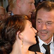 NLD/Den Haag/20060912 - Premiere Zwartboek, Carice van Houten en partner Sebastiaan Koch