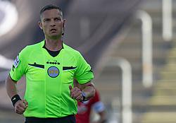 Dommer Anders Poulsen under kampen i 3F Superligaen mellem Lyngby Boldklub og FC København den 1. juni 2020 på Lyngby Stadion (Foto: Claus Birch).