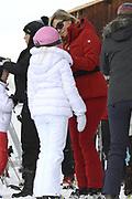 Fotosessie met de koninklijke familie in Lech /// Photoshoot with the Dutch royal family in Lech .<br /> <br /> Op de foto / On the photo: Koningin Maxima en Prinses Amalia //// Queen Maxima and Princess Amalia