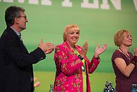 DEU, Deutschland, Germany, Leipzig, 10.11.2018: Claudia Roth (M) beim Bundesparteitag von BÜNDNIS 90/DIE GRÜNEN, Messe Leipzig. Auf dem Parteitag wurden die KandidatInnen für die Europawahl im Mai 2019 gewählt.