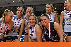17-02-2019 NED: National Cupfinal Sliedrecht Sport - Apollo 8, Zwolle<br /> Favorite Sliedrecht too big for Apollo 8 in cup final and win 3-0 / Christie Wolt #1 of Sliedrecht Sport, Esther van Berkel #7 of Sliedrecht Sport, Jolijn de Haan #4 of Sliedrecht Sport, Florien Reesink #5 of Sliedrecht Sport, Brechje Kraaijvanger #2 of Sliedrecht Sport