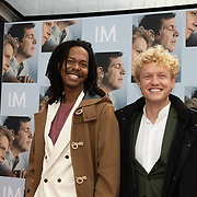NL/Utrecht/20200927 - Filmpremiere I.M., Jeangu Macrooy en partner Sebas van der Sangen