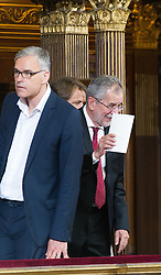 08.07.2016, Historischer Sitzungssaal, Wien, AUT, Parlament, Bundesversammlung zur Verabschiedung des scheidenden Bundespräsidenten Fischer, im Bild Präsidentschaftskandidat Alexander Van der Bellen (R) und Wahlkampfleiter Lothar Lockl // f.l.t.r. Candidate for presidential elections Alexander Van der Bellen (R) and election campaign manager Lothar Lockl during farewell ceremony for the federal president of austria at austrian parliament in Vienna, Austria on 2016/07/08, EXPA Pictures © 2016, PhotoCredit: EXPA/ Michael Gruber
