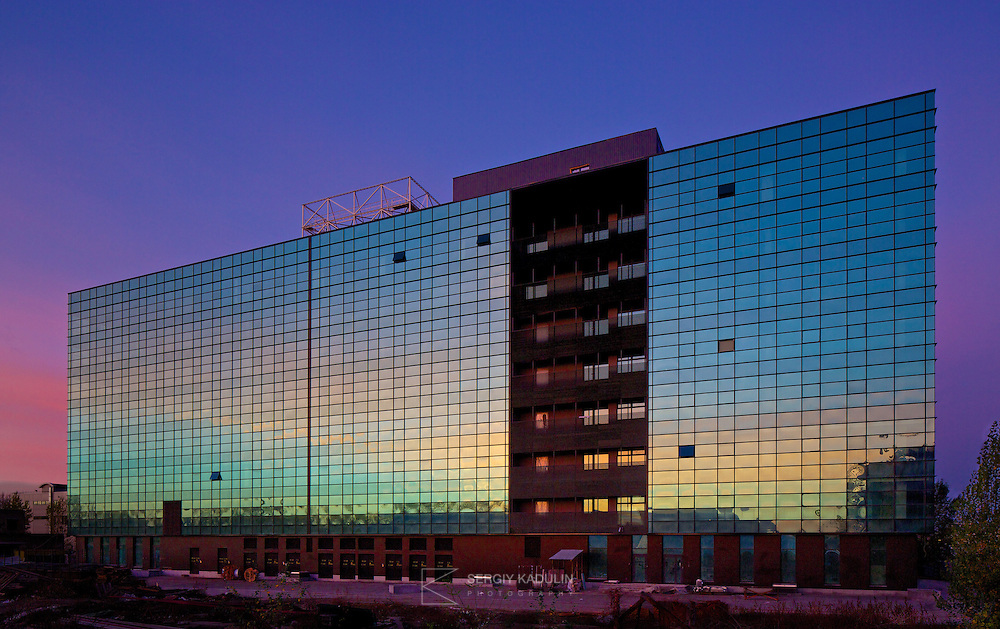 Sunrise view onto business centre, project by Borodkin Architects. Located at Moskovsky avenue, 28 in Kyiv, Ukraine.<br /> Съемка фасада офисного центра (этап завершения строительства). Съемка на рассвете. Киев.