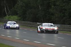 June 16, 2018 - Le Mans, FRANCE - 94 PORSCHE GT TEAM (USA) PORSCHE 911 RSR GTE PRO ROMAIN DUMAS (FRA) TIMO BERNHARD (DEU) SVEN MULLER  (Credit Image: © Panoramic via ZUMA Press)