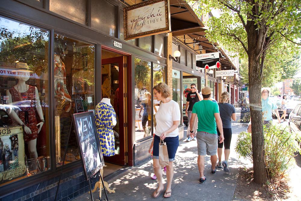 Shoppers on Mississippi Ave, Portland Oregon