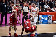 DESCRIZIONE : Milano Lega A 2015-16 Olimpia EA7 Emporio Armani Milano Openjobmetis Varese<br /> GIOCATORE : Lorenzo Molinaro<br /> CATEGORIA : Fair Play <br /> SQUADRA : Openjobmetis Varese<br /> EVENTO : Campionato Lega A 2015-2016<br /> GARA : Olimpia EA7 Emporio Armani Milano Openjobmetis Varese<br /> DATA : 11/10/2015<br /> SPORT : Pallacanestro<br /> AUTORE : Agenzia Ciamillo-Castoria/M.Ozbot<br /> Galleria : Lega Basket A 2015-2016 <br /> Fotonotizia: Milano Lega A 2015-16 Olimpia EA7 Emporio Armani Milano Openjobmetis Varese