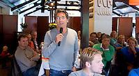 BLOEMENDAAL - Marc Benninga aan het woord. Oud internationals Eby Kessing, Ronald Brouwer en Nick Meijer, alle spelers van Bloemendaal, namen afscheid met een afscheidsdrieluik. COPYRIGHT KOEN SUYK