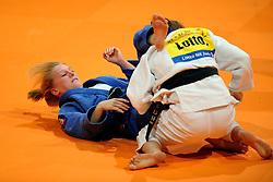 14-11-2009 JUDO: NK JUDO DAMES: ROTTERDAM <br /> Miranda Wolfslag (bl) en Sanne Verhagen (-52 kg)<br /> ©2009-WWW.FOTOHOOGENDOORN.NL
