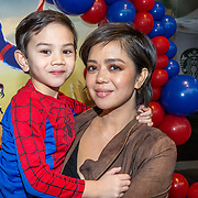 NLD/Amsterdam/20181215 - Premiere Spider-man Into the spider-verse, Cystine Carreon met haar zoontje