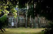 Puszcza Białowieska. Wieś Jodłówka - jedyny zachowany dworek w polskiej części puszczy