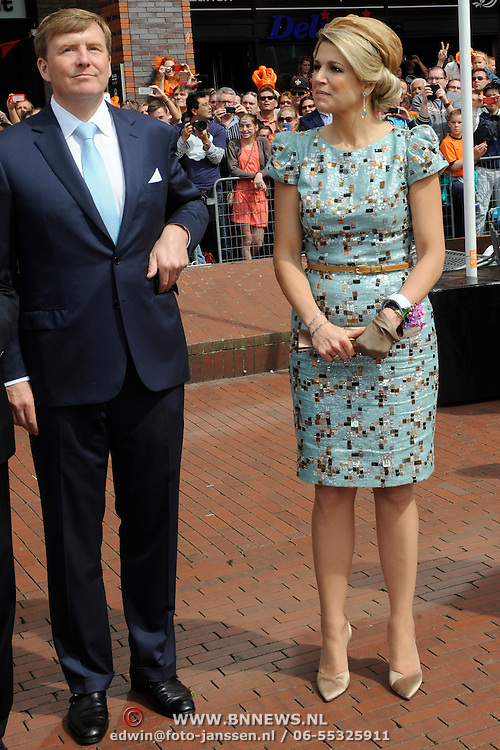 Koningsdag 2014 in Amstelveen, het vieren van de verjaardag van de koning. / Kingsday 2014 in Amstelveen, celebrating the birthday of the King. <br /> <br /> <br /> Op de foto / On the photo:  Koning Willem-Alexander and Koningin Maxima  / King Willem-Alexander and Queen Maxima